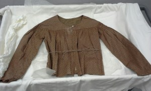 19th c. working women's shirt, Colonial Williamsburg Foundation