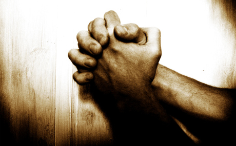 22010022144praying_hands