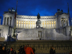 Monumento a Vittorio Emanuele II after dark