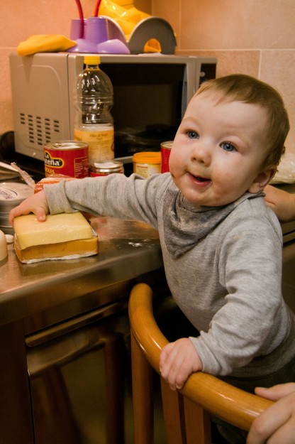 Even little Benny Junker helped out in the kitchen.