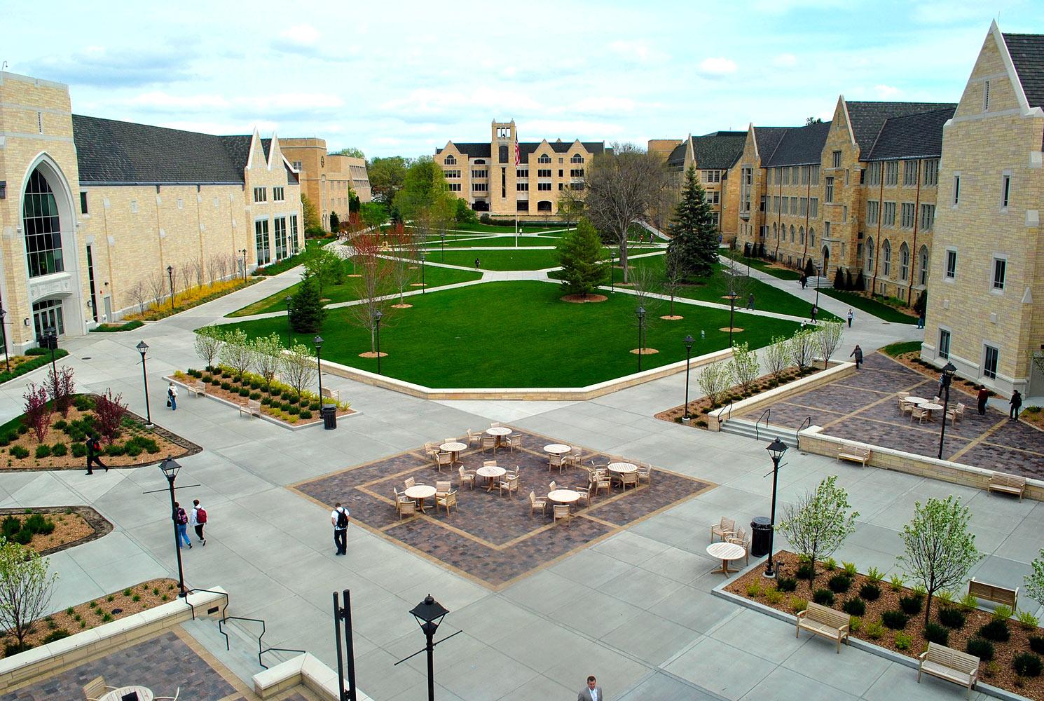 saint-thomas-university-4