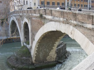 Bridge we crossed to reach Isola Tiberina (Tiber Island)
