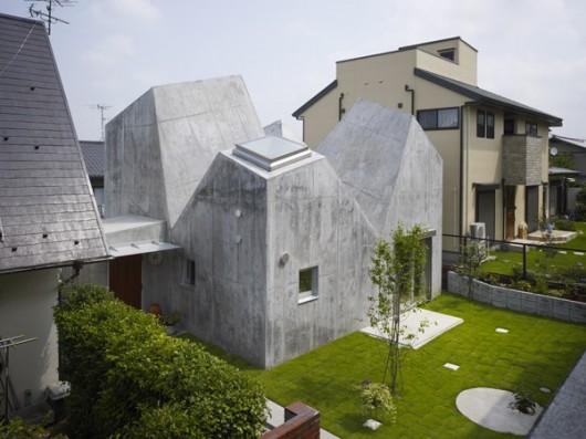 House in Kohoku by Torafu