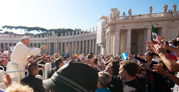 Pope Francis with students from St. Thomas
