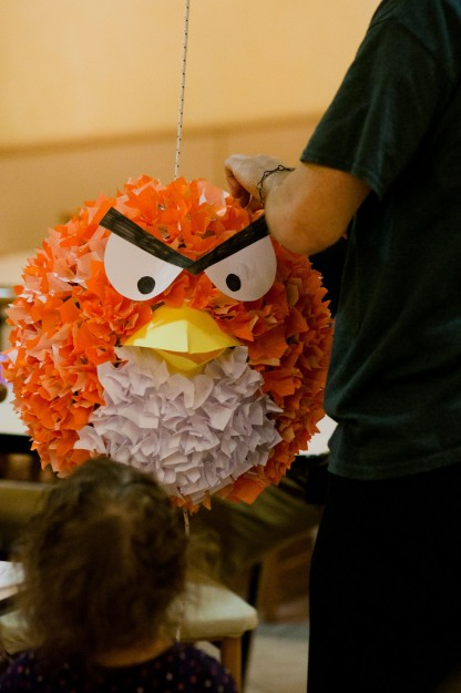 The completed piñata.