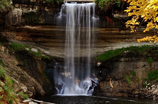minnehaha-falls-in-the